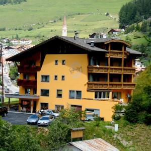 Фотографии отеля: Pension Schlossberg, Наудерс
