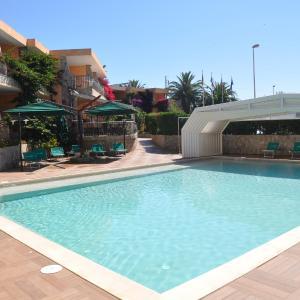 Hotel Pictures: Palm Village, Villasimius