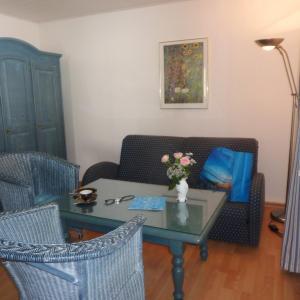 Hotel Pictures: Apartmenthaus Marlene, Juliusruh
