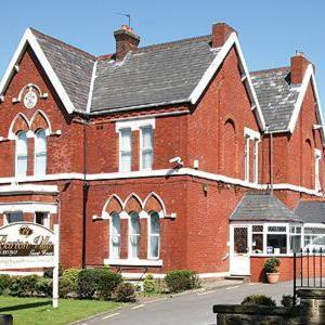 Hotel Pictures: Barton Villa, Dukinfield