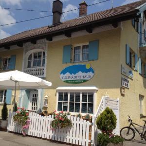 Hotel Pictures: Dreimäderlhaus Rieden, Rieden