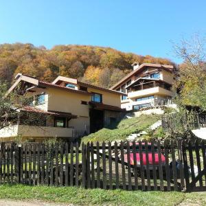 Фотографии отеля: Seltse Villas, Seltse