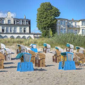 Hotel Pictures: SEETELHOTEL Strandhotel Atlantic, Bansin