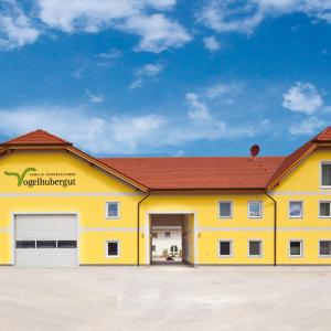 Hotel Pictures: Vogelhubergut - Familie Scherleithner, Vorchdorf