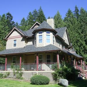 Hotel Pictures: The Artist and The Quiltmaker - Victorian Bed and Breakfast, Roberts Creek