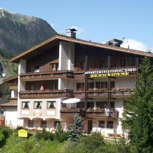 Hotel Pictures: Hotel Garni Bergsonne, Samnaun