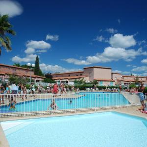 Hotel Pictures: Grand Bleu Vacances – Résidence Les Jardins de Neptune, Saint-Cyprien