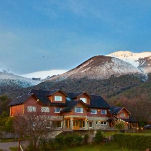 Hotel Pictures: Alma Andina Hosteria, Villa La Angostura
