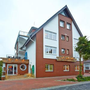 Hotel Pictures: Land-gut-Hotel Bernstein Bootshaus, Büsum
