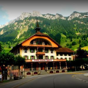 Hotel Pictures: Hotel Kurhaus, Flühli
