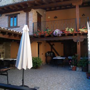 Hotel Pictures: Casa Gustares, Vilviestre del Pinar