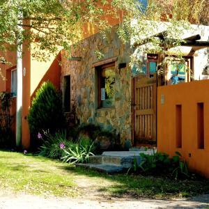 Foto Hotel: Cabañas La Escondida, Tandil