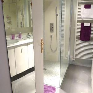 Hotel Pictures: Villa Margotine Chambre d'Hôtes, Bellerive-sur-Allier