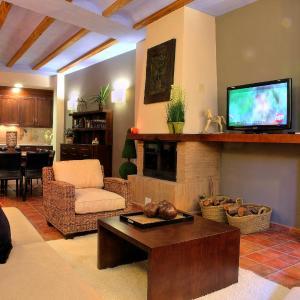 Hotel Pictures: Apartamentos Casa Molinero, Buera
