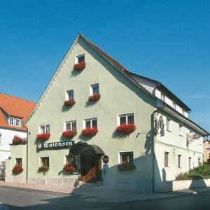 Hotel Pictures: Hotel-Restaurant Waldhorn, Weingarten