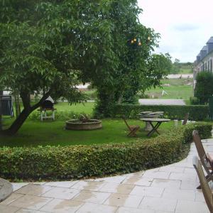 Hotel Pictures: Le Clos du Moulin, Vron
