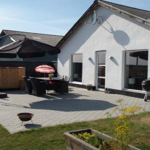 Hotel Pictures: Thorupgaard Farm Holiday, Stenum