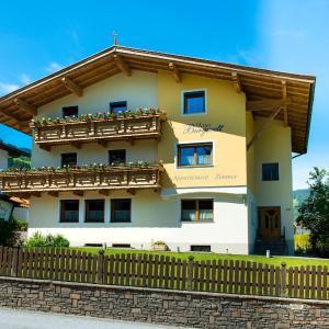 Fotos do Hotel: Gästehaus Bergwelt, Niederau