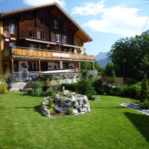Hotel Pictures: Esther's Guesthouse, Gimmelwald