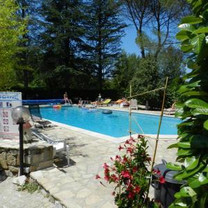 Hotel Pictures: Domaine de La Tour, Salavas