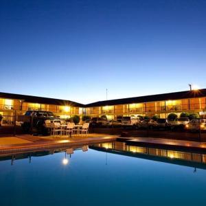 酒店图片: Golden West Motor Inn, 达博