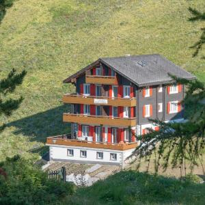 Hotel Pictures: Chalet Alphubel, Saas-Fee