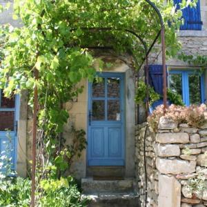 Hotel Pictures: La Salamandre Bleue, Chantemerle-lès-Grignan