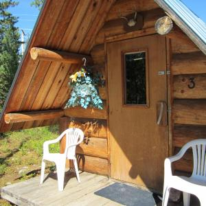 Hotel Pictures: Blue River Cabins & Campgrounds, Blue River