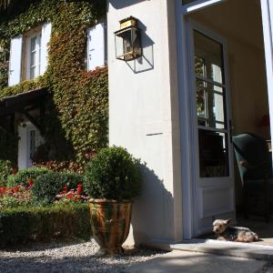 Hotel Pictures: Les Chambres de la Rochette, Bouligneux