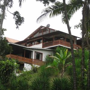 Hotel Pictures: Spanish by the River - Turrialba, Turrialba