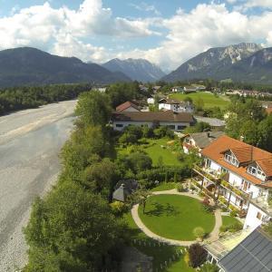 Hotel Pictures: Pension beim Krümmling, Reutte
