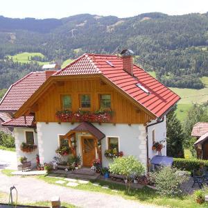Hotelbilleder: Ferienhaus Pirker, Eisentratten