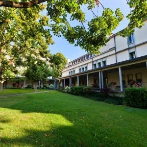 Hotel Pictures: Hotel La Longeraie, Morges