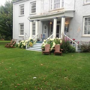 Hotel Pictures: Manoir Hamilton Manor, New Carlisle