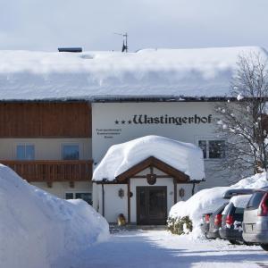 Foto Hotel: Wastingerhof, Obertilliach