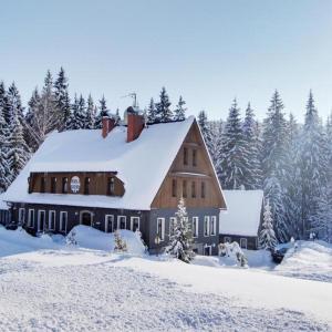 Hotel Pictures: Hotel Perla Jizery, Josefuv dul
