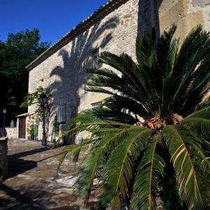 Hotel Pictures: Le Moulin de Saint Laurent, Saint-Laurent-d'Aigouze