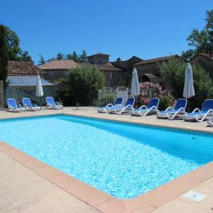 Hotel Pictures: Hôtel Ferme de Bournet, Grospierres