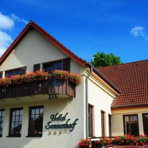 Hotel Pictures: Hotel Restaurant Sonnenhof, Weyerbusch