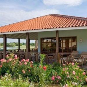 Hotel Pictures: Bluebay Village Villa, Willemstad