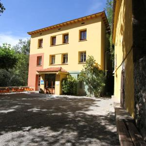 Hotel Pictures: Alberg Roques Blanques, Ribes de Freser