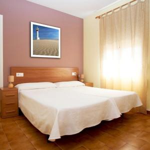 Hotel Pictures: Nou Rocamar, Sant Carles de la Ràpita