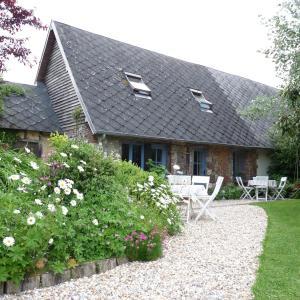 Hotel Pictures: Chambres d'Hôtes L'Ecole Buissonnière, Trouville-la-Haule