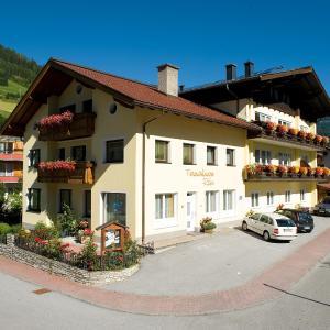 ホテル写真: Ferienwohnungen Rass, グロースアルル