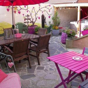 Hotel Pictures: La Maison du Bonheur, Recquignies