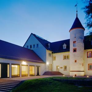 Hotel Pictures: Kloster Höchst - Jugendbildungsstätte und Tagungshaus der EKHN, Höchst im Odenwald