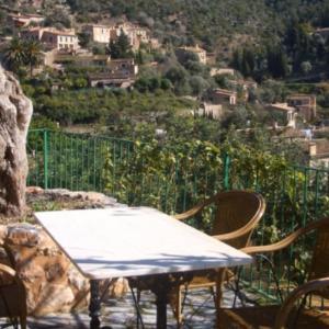 Hotel Pictures: Hostal Villa Verde, Deia