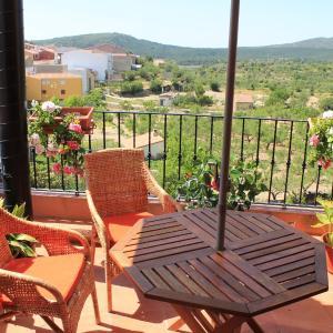 Hotel Pictures: El Planet De Maella, Chert