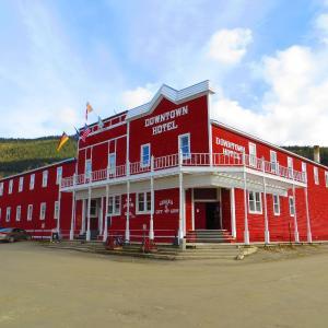 Hotel Pictures: Canada's Best Value Inn – Downtown Hotel Dawson City, Dawson City