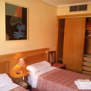 Hotel Pictures: Hostal Juan XXIII, San Sebastián de los Reyes
